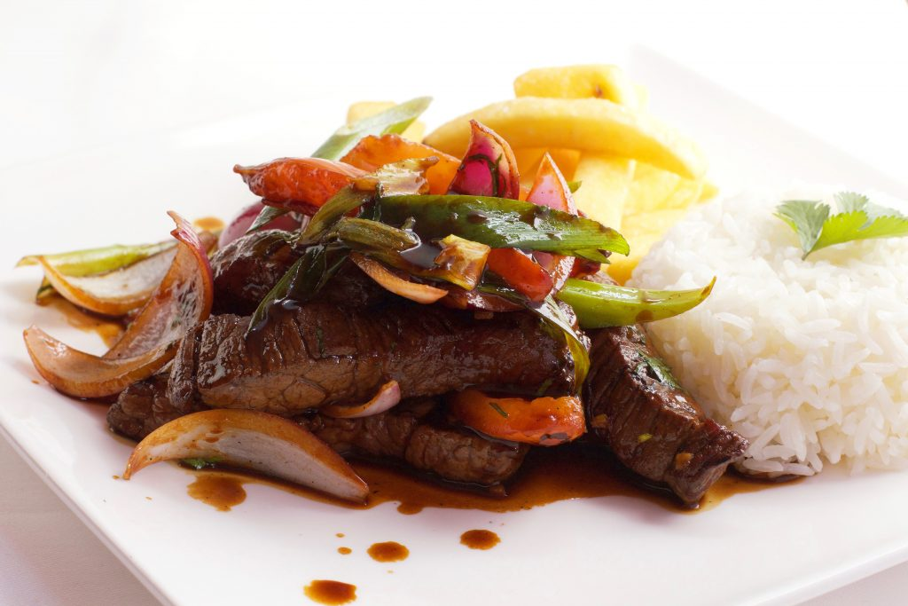 Peruviaans vleesgerecht bij Somos Peru Restaurant in Den Haag